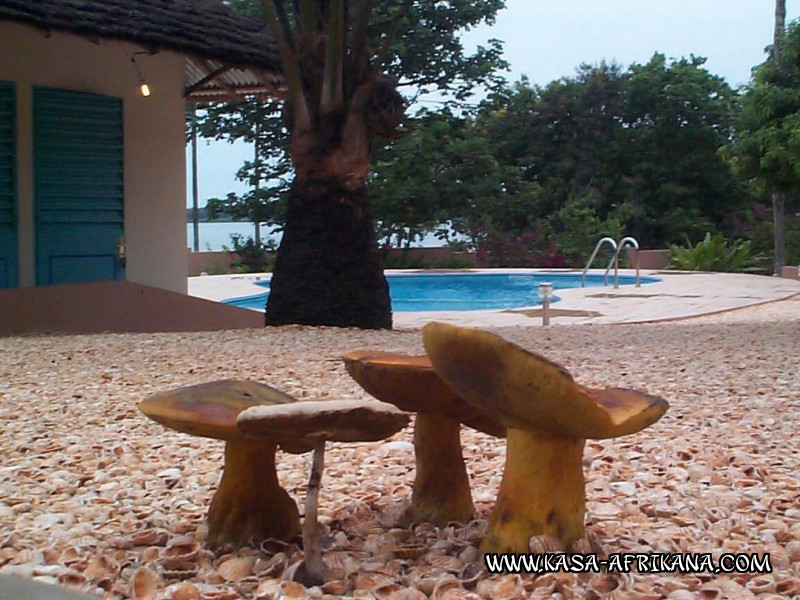Photos Bijagos Island, Guinea Bissau : The hotel garden - Tropical mushrooms