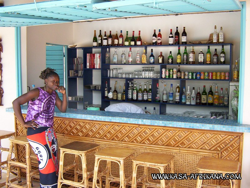 Photos Bijagos Island, Guinea Bissau : Hotel & outbuildings	 - The hotel bar