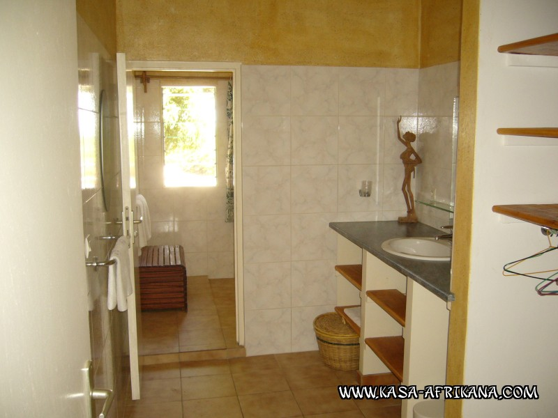 Photos Bijagos Island, Guinea Bissau : Hotel & outbuildings	 - Bathroom